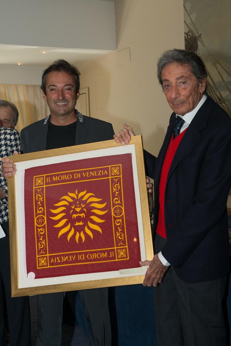 A .Mura premia M. Sonnino per R. Neglia